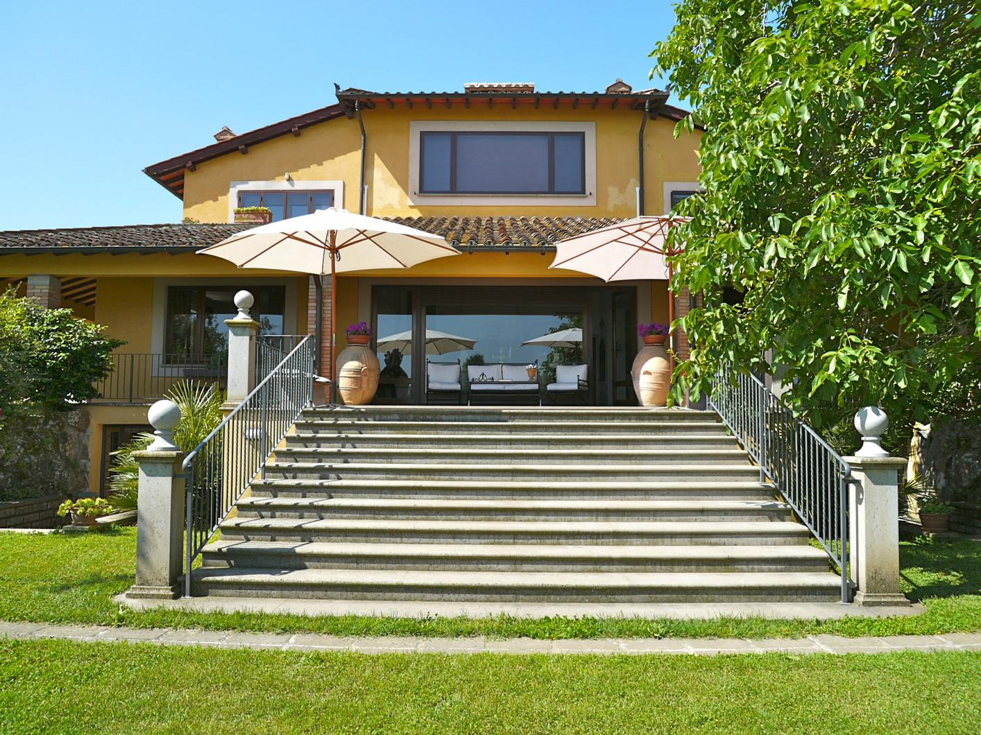 una casa sul lago di bracciano maria laura berlinguer