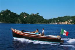 Corvetta 24 Giorgio Mussini - Maria Laura Berlinguer Stile Italiano - Made in Italy - Barca - mare - vacanza - Case Italiane - Stile di Vita - Blog