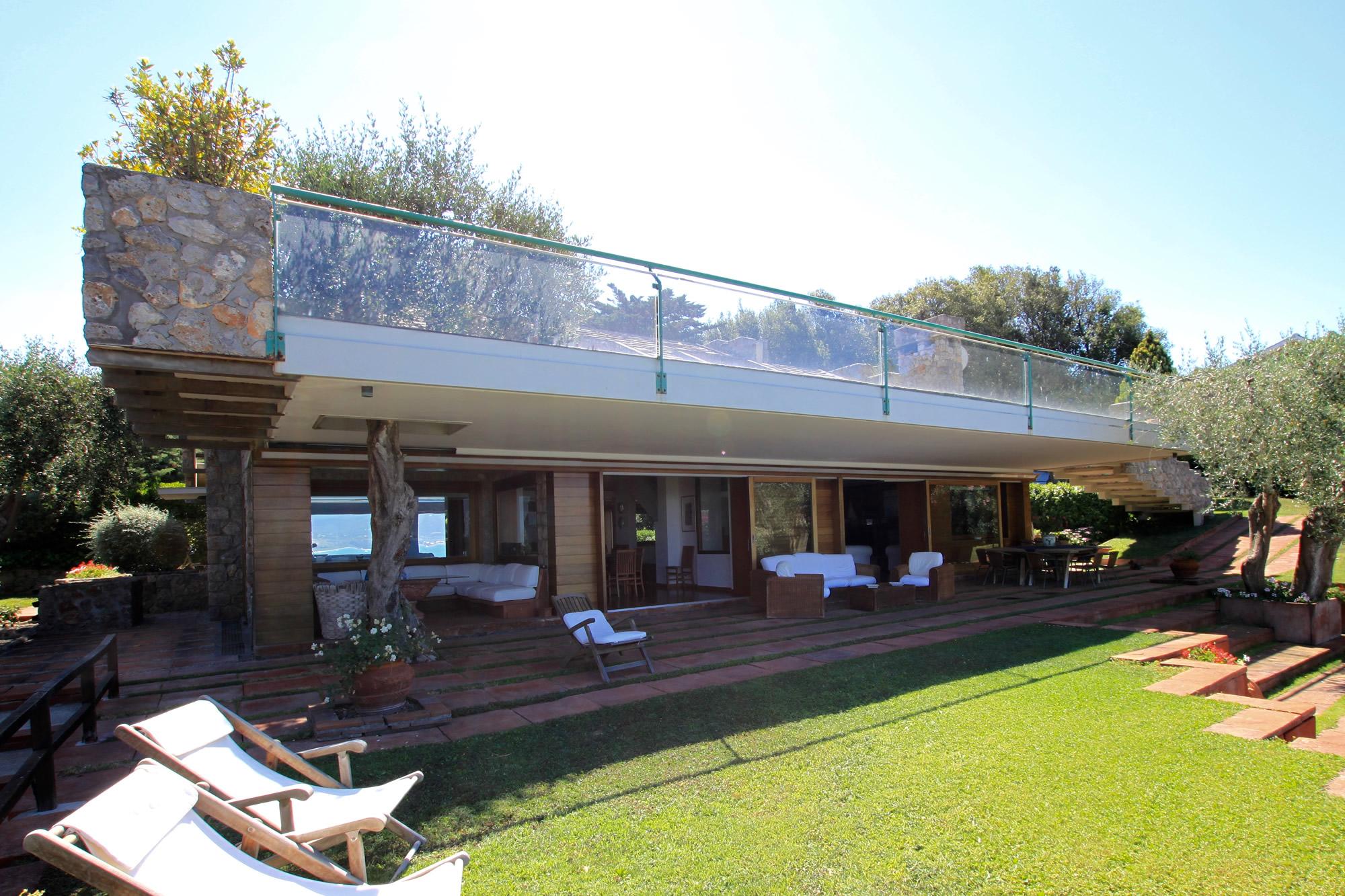Ansedonia a villa on the maremma sea maria laura berlinguer for Case moderne italiane