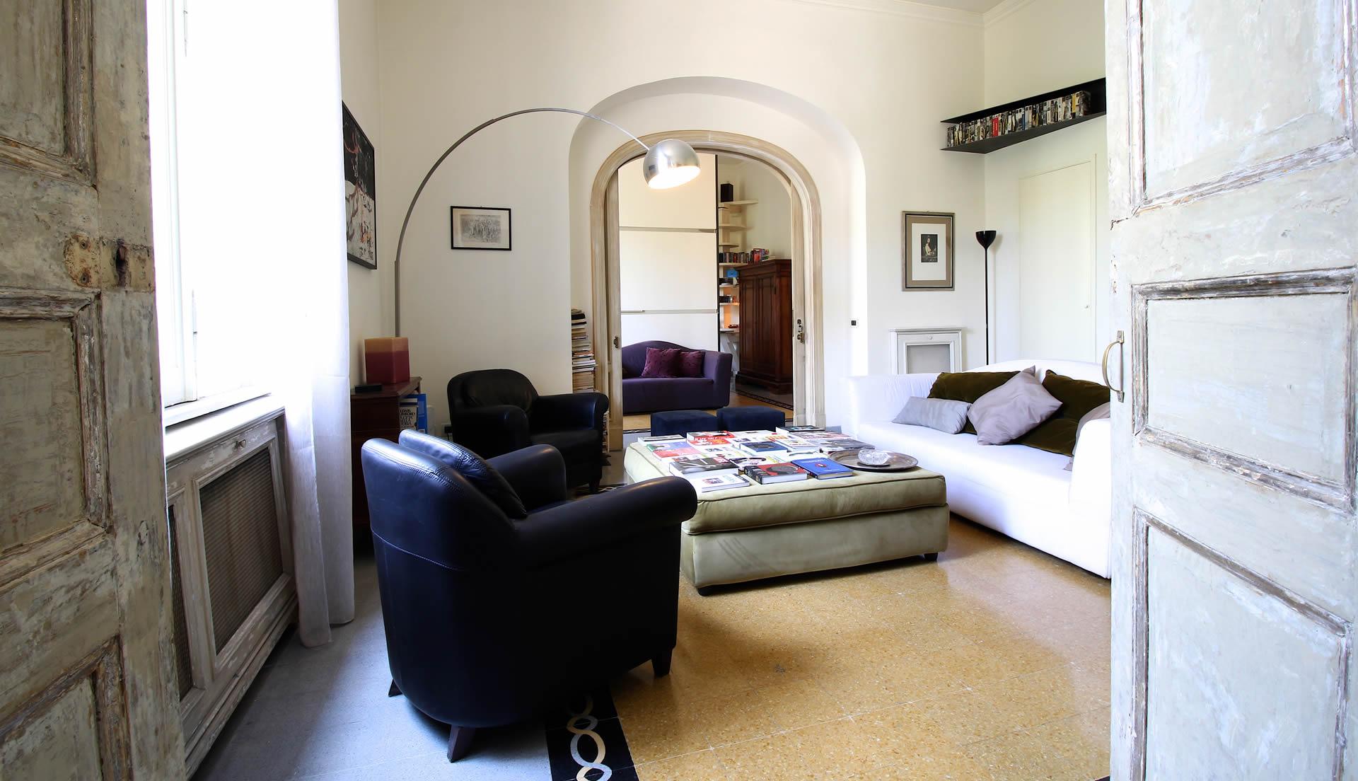 Una casa nel cuore di monti roma maria laura berlinguer for Case in affitto roma