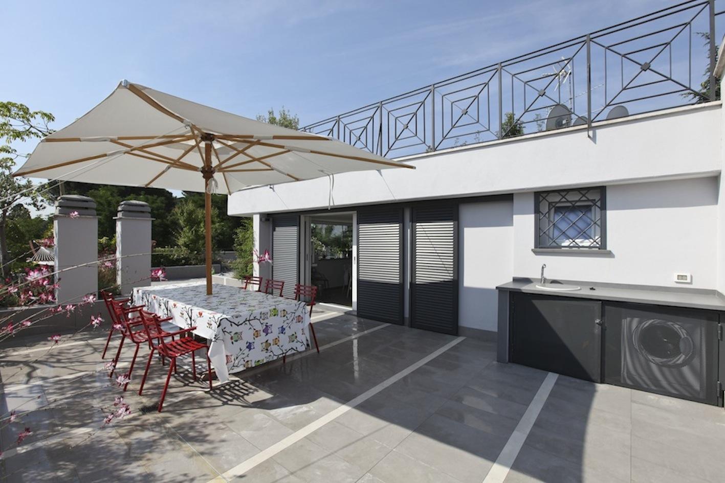Raffaello sky casa in affitto maria laura berlinguer for Casein affitto