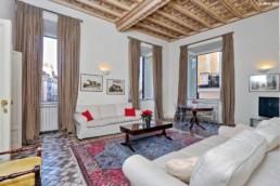 Una Casa Romantica - Maria Laura Berlinguer - Stile Italiano - Case Italiane - Affitto - Vendita - Made in Italy - Stile di Vita - Blog Articoli - Roma - p Navona - Pantheon
