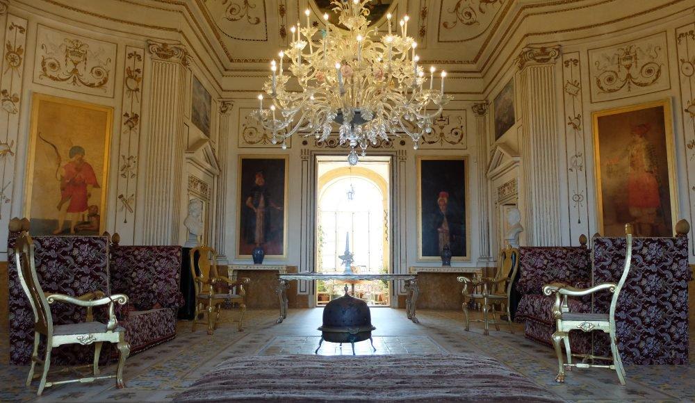 Villa valguarnera sicilia maria laura berlinguer for Case antiche interni