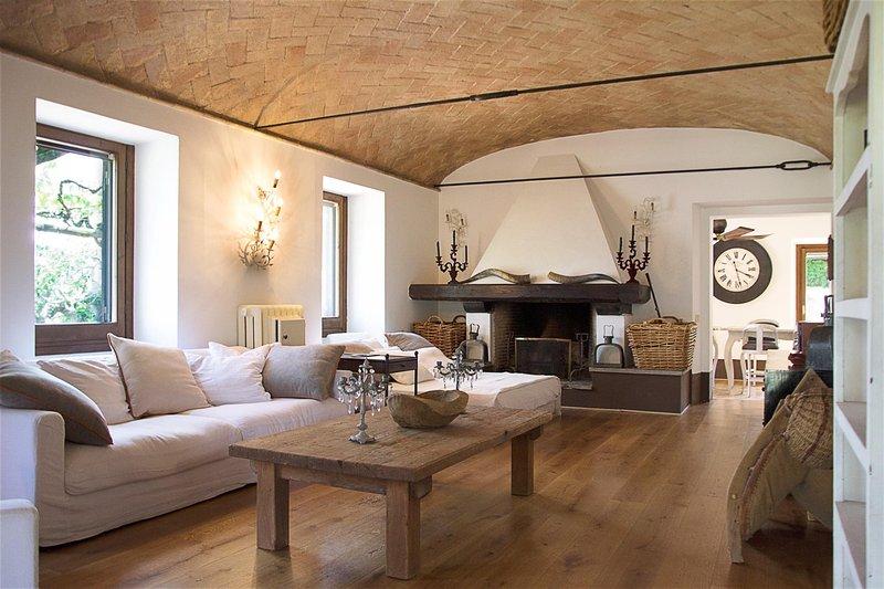 Villa moronte in affitto maria laura berlinguer stile for Case in affitto roma