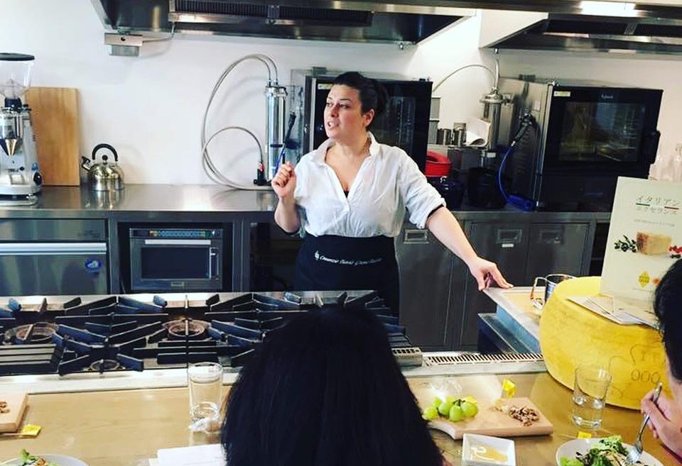 Scuola di cucina sarda a tokyo claudia casu un 39 italiana in giappone - Scuola di cucina italiana ...