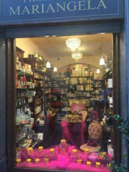 Guest Editors per Maria Laura Berlinguer - Stile Italiano - Blog - Mariangela Romoli il profumo dell'aleganza Spoleto