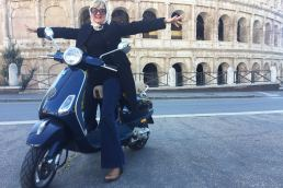 Vivere Roma - maria-laura-berlinguer-stile-italiano-made-in-italy-fatto-in-italia-vespa-tour-come-in-un-film-