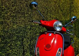 Vivere Roma - maria laura berlinguer - stile italiano - made in italy - fatto in italia - vespa - tour come in un film - vespa