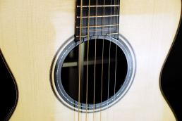 Davide Serracini - chitarra Made in italy - Maria Laura Berlinguer Stile Italiano - Fatto in Italia - musica - chitarra artigianale - eccellenza artigiana - music