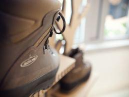 Armond scarponi made in italy scarpe trekking caccia roccia - maria laura berlinguer stile italiano fatto in italia - artigianato italiano - moda uomo donna - abbigliamento montagna